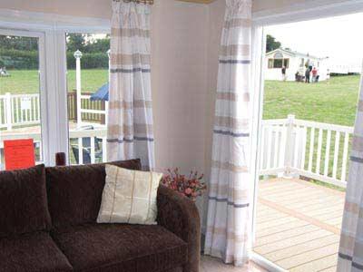 Leighton Lodges Eden living area