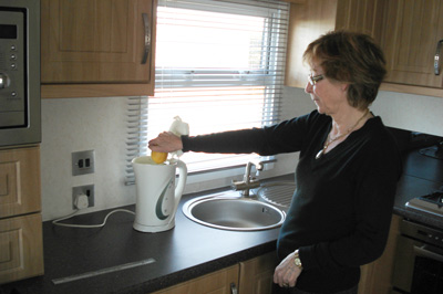 Use lemon juice to get rid of limescale in your kettle