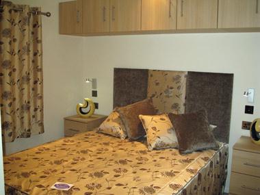 Pathfinder Retreat Lodge Double Bedroom