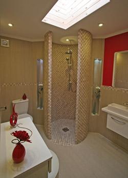 Tingdene Escape en suite shower room