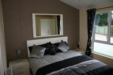 Willerby Ridgewood master bedroom