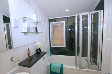 Willerby Meridian family bathroom