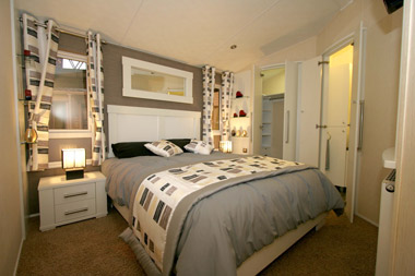 Willerby Meridian master bedroom