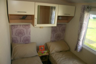 Willerby-Sierra-twin-bedroom