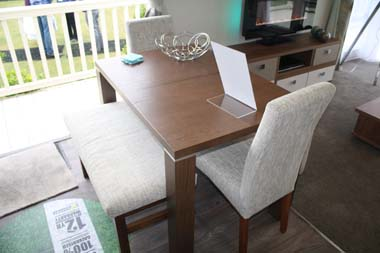 Inside the Willerby 2014 3-bed Skyline holiday home