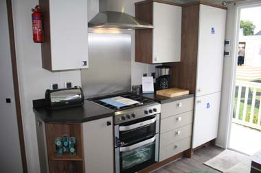 Willerby 2014 3-bed Skyline holiday home kitchen area