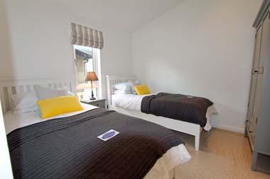 2014 Pathfinder Tuscany holiday lodge twin room