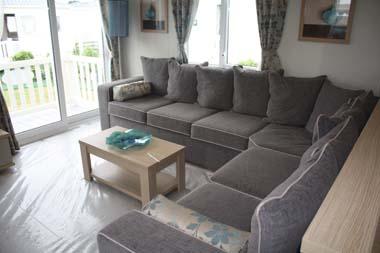 Roxbury lounge