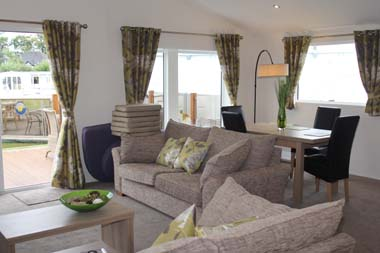 Willerby Clearwater holiday lodge - The lounge and dining area is very spacious.