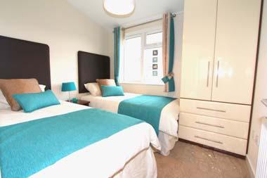 2014 Omar Apex second twin bedroom