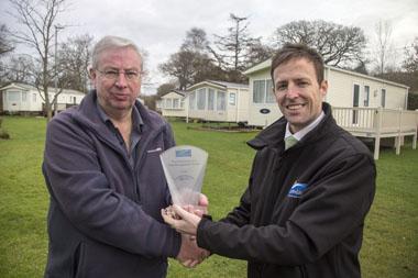 Dolphins River Park wins Leisuredays Risk Management Award 2014