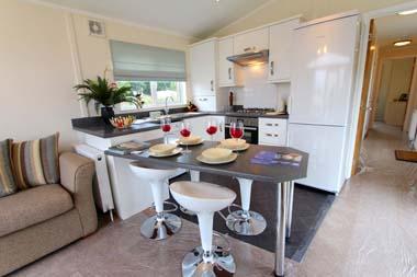 Tingdene Beachcomber lodge - Kitchen Diner