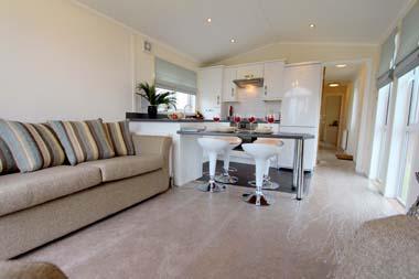 Tingdene Beachcomber lodge - Living area
