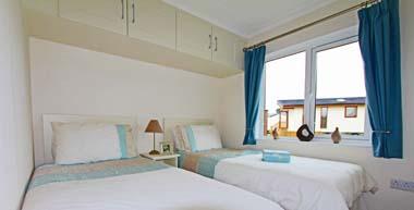 Tingdene Beachcomber lodge - Twin bedroom