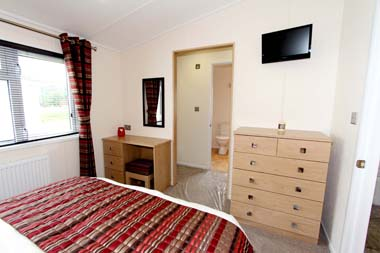 Victory Versailles Master bedroom V2