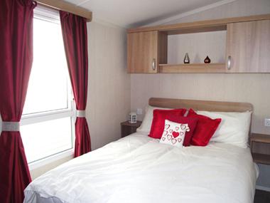 Swift Loire - Main Bedroom