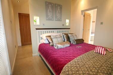 Pathfinder Fairway Lodge Bedroom