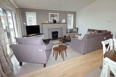 Pathfinder Fairway Lodge Lounge