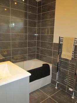 Pathfinder Thorverton Family Bathroom A