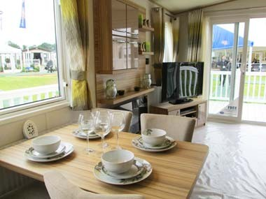 Harewood Dining to Lounge