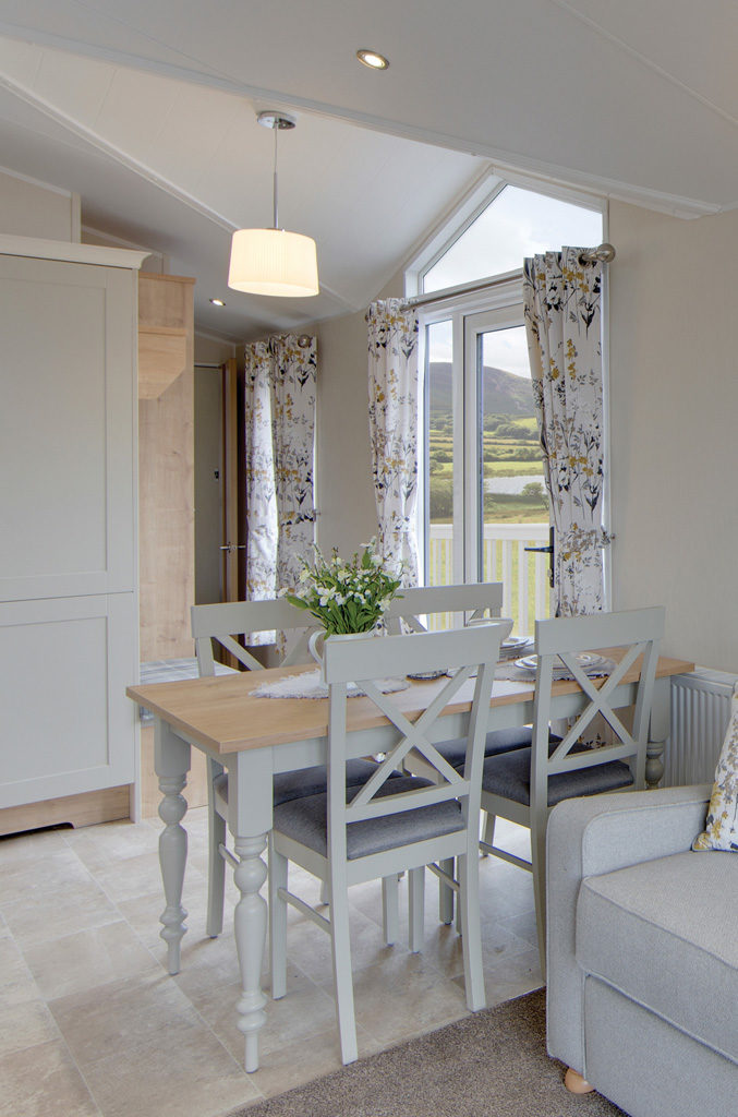 Vogue Lodge - Willerby Holiday Homes Ltd Dining Area
