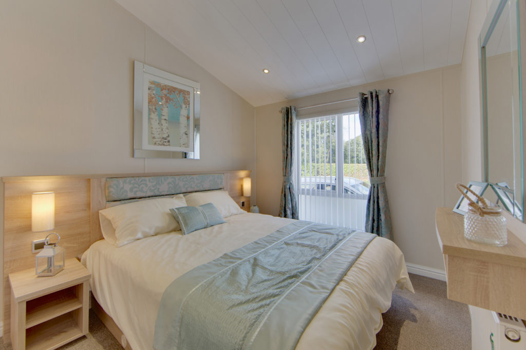 The Rutherford - Willerby Holiday Homes Master Bedroom