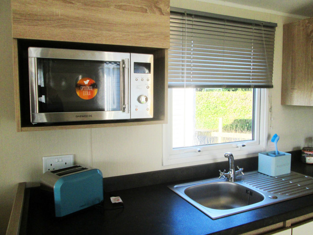 Willerby Lymington Microwave