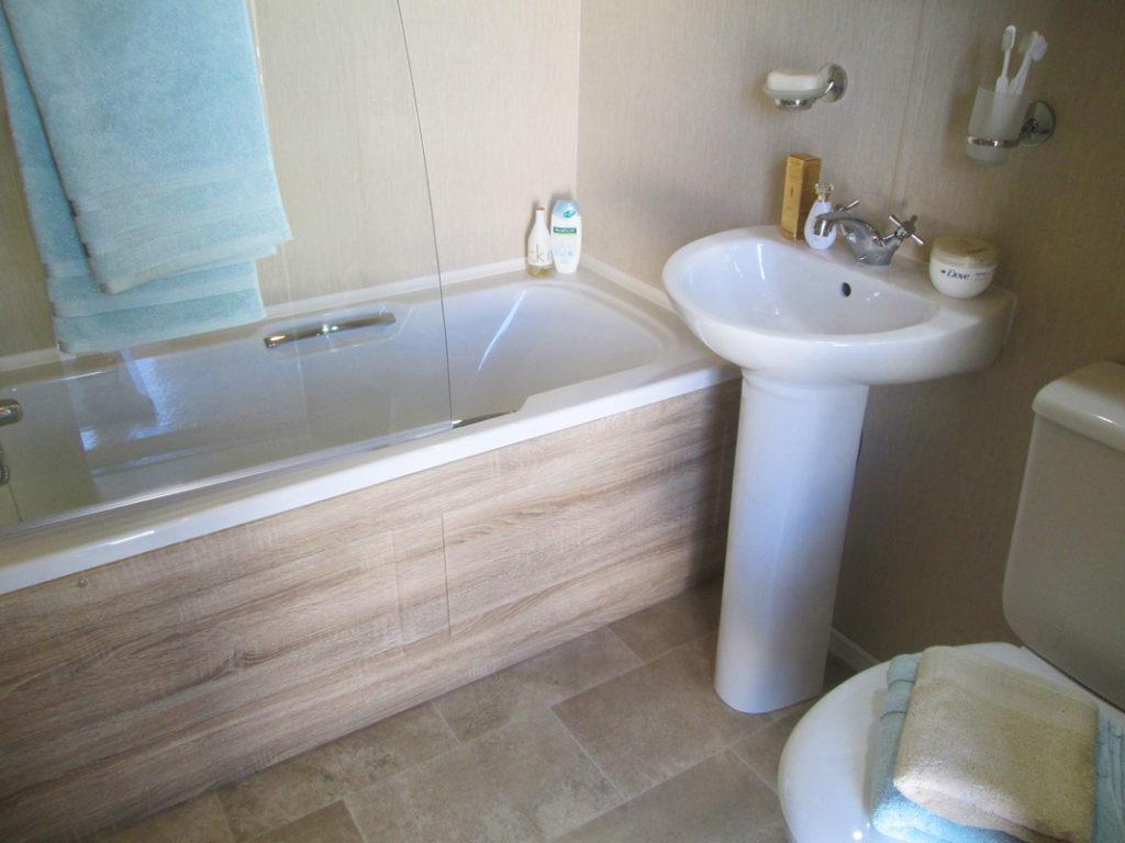 Pemberton Serena Bathroom Wide