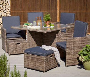 Borneo outdoor eating furniture