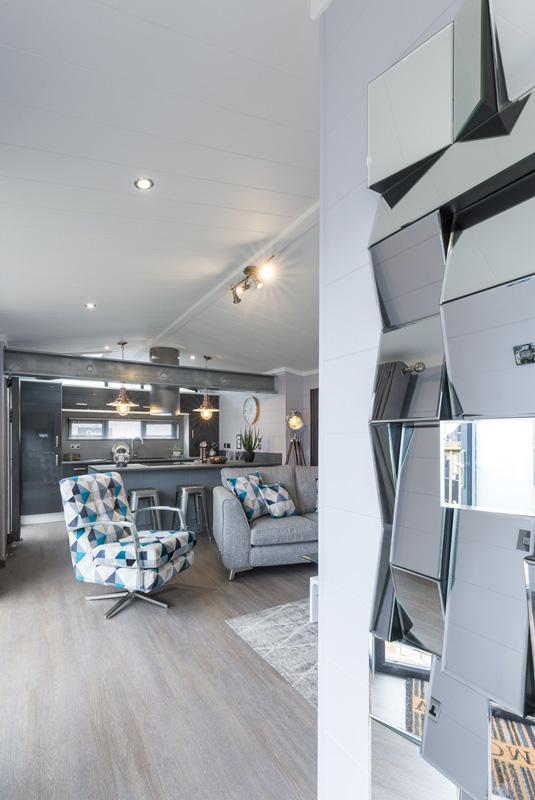 Tingdene Kudos Lounge & Mirror