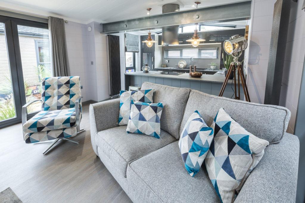 Tingdene Kudos Lounge Seating & Beam