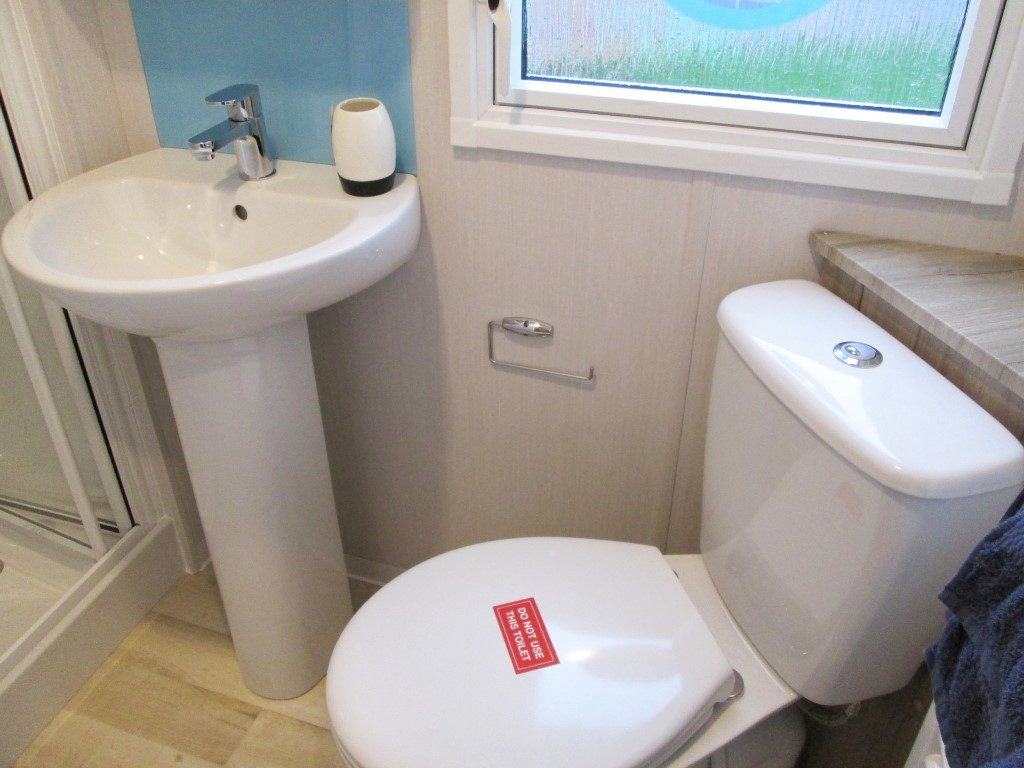 Swift Atlantique Bathroom
