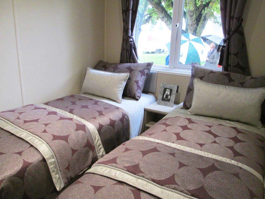Regal Artisan Twin Beds CU