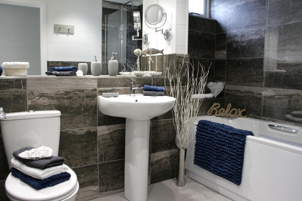 Tingdene Country Lodge Bathroom Main